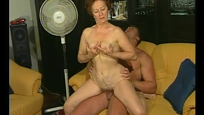 Retro granny gets hot dicking from..