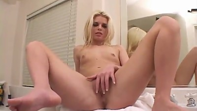 sexy blonde Jessica has pink vagina..