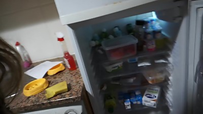 Refrigerator and un mess kitchen of BBW