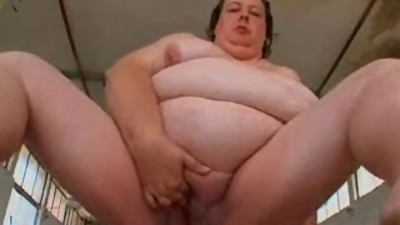 A nice SSBBW Granny Playing Solo