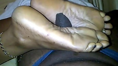 mature ebony feet