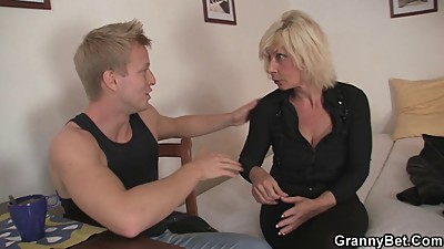 Old blonde rides her neighbor big cock