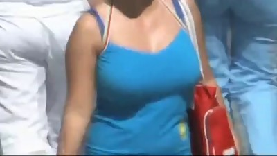 Bouncing Boobs in Public The Ultimate..