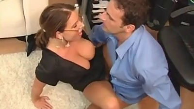 Fucking with Secretary Milf