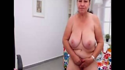 Amateur turkish granny dancing nude on..