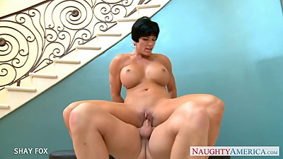 Short haired Shay Fox gives head