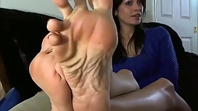 Sexy Mature Woman shows the Feet and..