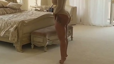 Deelishis: Romantic ASS Twerk - Ameman