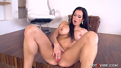 Crazy hot MILF Stacy Silver is so..