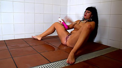 Spanish MILF Squirting in Public
