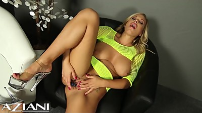 Hot blonde fingers her pretty pussy