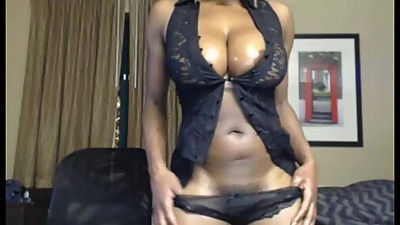 Ebony MILF Camgirl Shows Off Her Big..