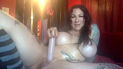 milf with big tats an big tits
