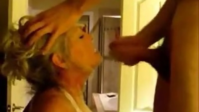 Mature women fucks and sucks younger..