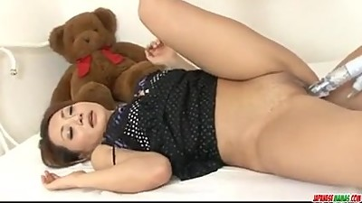 Yuu Shiraishi moans with a big dick in..